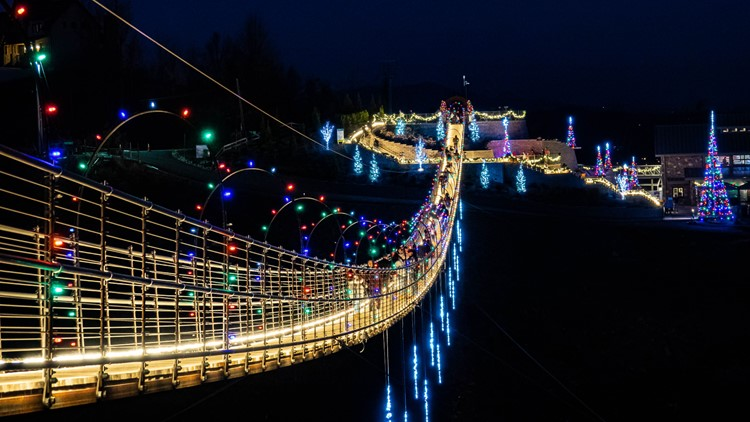 Christmas In Gatlinburg 2020 Check out the SkyBridge in Gatlinburg all lit up for Christmas