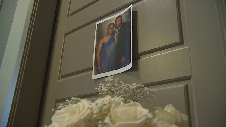 Debate swirls over the search of Botham Jean's apartment