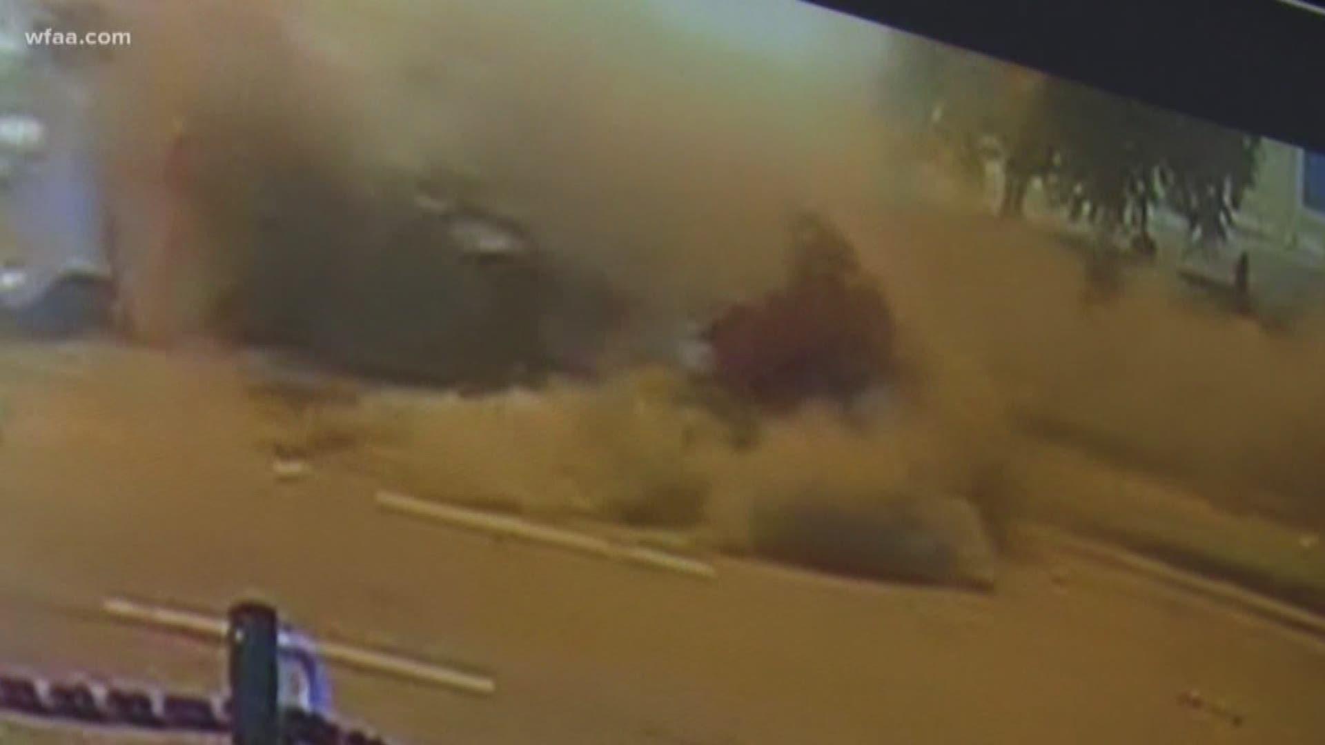 Watch Boxer Errol Spence S Ferrari Flips Multiple Times In Dallas Crash Kvue Com
