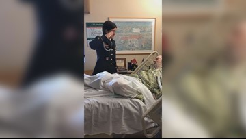 Hundreds gather at dying Florida veteran's bedside thanking him for service