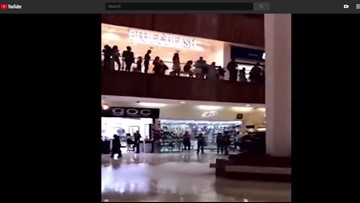 Shopping mall starts to flood, band plays Titanic song