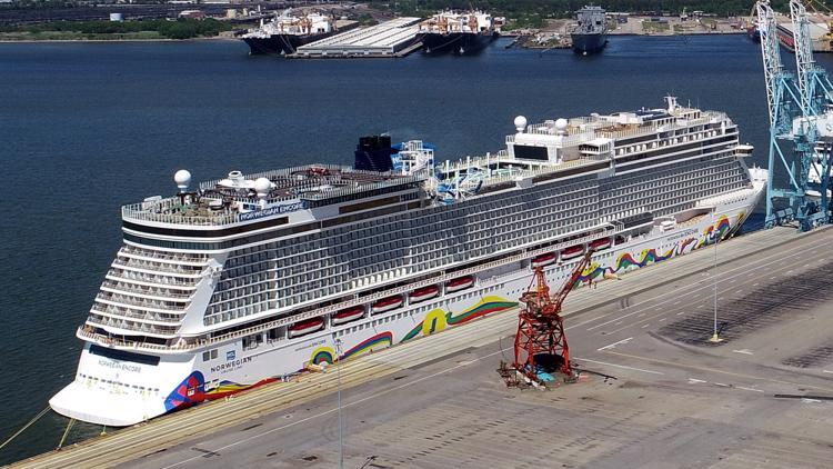 Judge sides with Norwegian Cruise Line in battle with Florida over proof of vaccinations