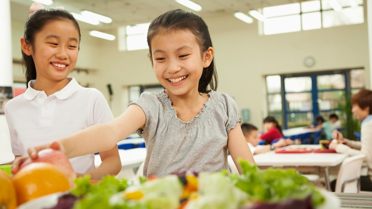 Bill filed in Texas House to ban student lunch debt