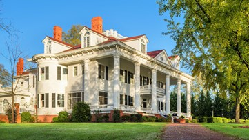 Built in 1836, the 'Gone with the Wind' mansion in Georgia hits the auction block