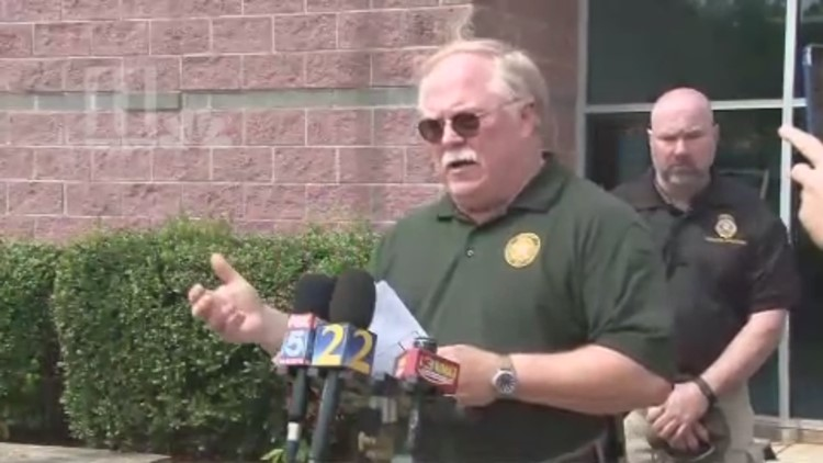Putnam County Sheriff news conference on escaped inmates, officers shot